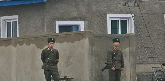 North Korean soldiers in Sinuiju