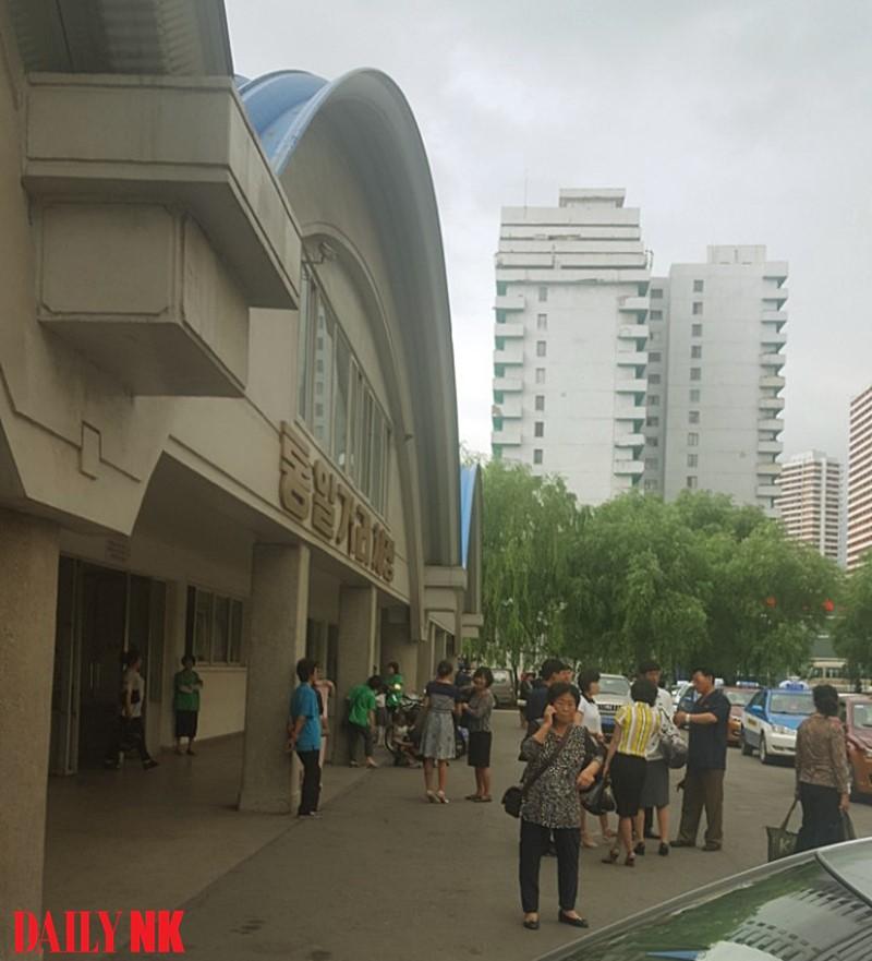 Tongil Market in Pyongyang