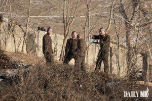 평안 북도 사고 군 COVID-19 시설에있는 북한군 병사들