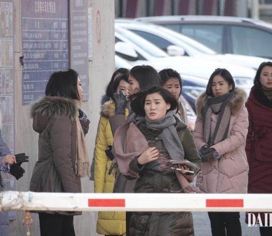 North Korean women in Dandong sojourn