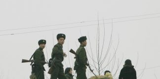 North Korean soldiers electricity discharge chinese