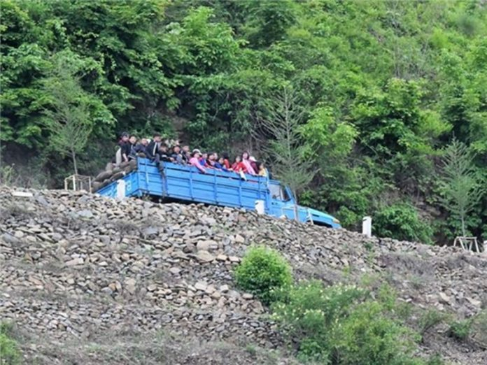 North Korean students farm mobilization