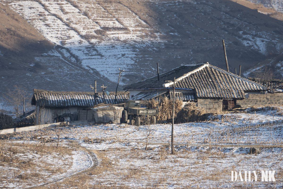 북한 압록강 삭주군 평안북도 트럭 살림집