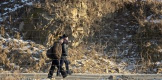 평안북도 압록강 북한주민 북한 여성 어린이 아이