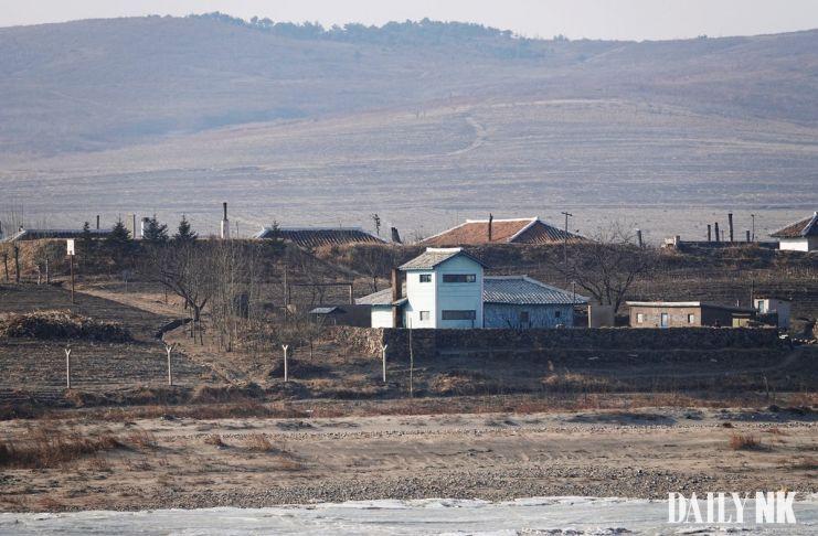 두만강 북한군 초소 풍서군