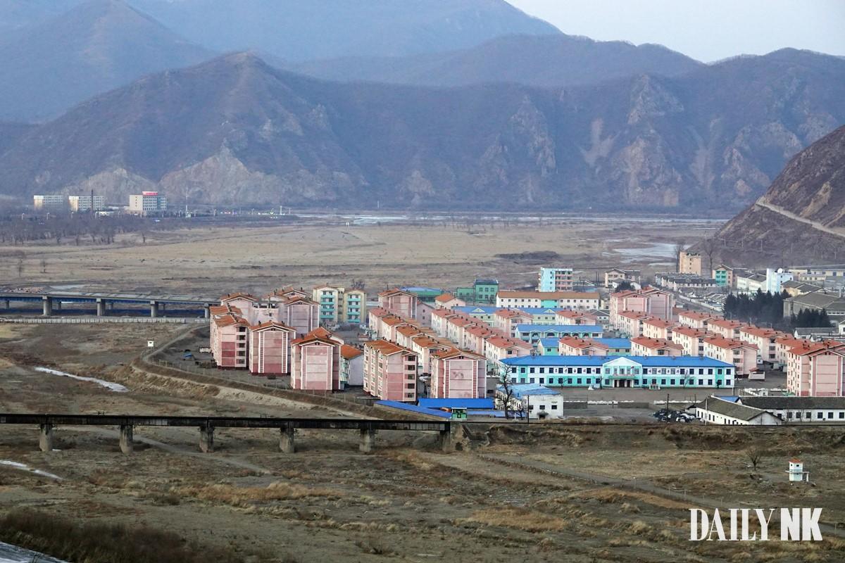 북한 함경북도 온성군 남양노동자구 아파트